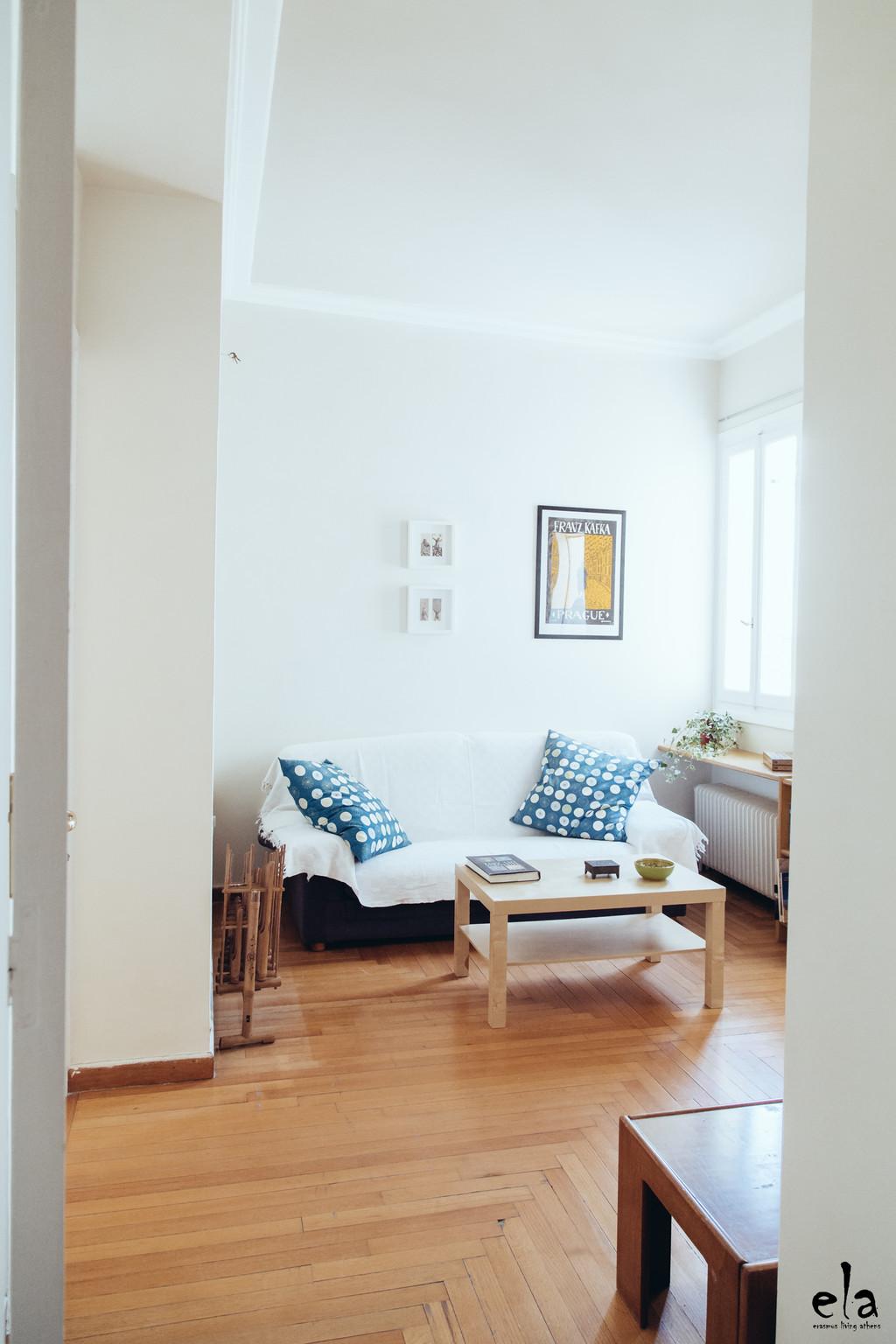 erasmus-living-athens-room-3-20m2-sunny-