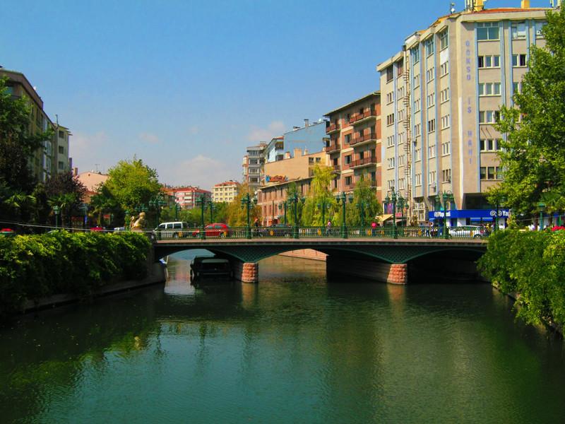 Eskishehir, una ciudad donde puedes aprender, divertirte y ¡hacer nuevos amigos!
