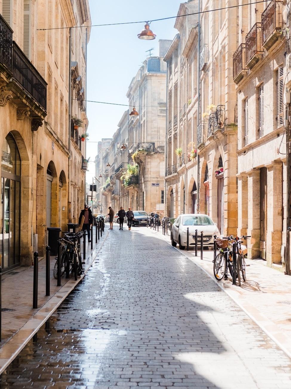 Esperienza a Bordeaux, Francia di Charles