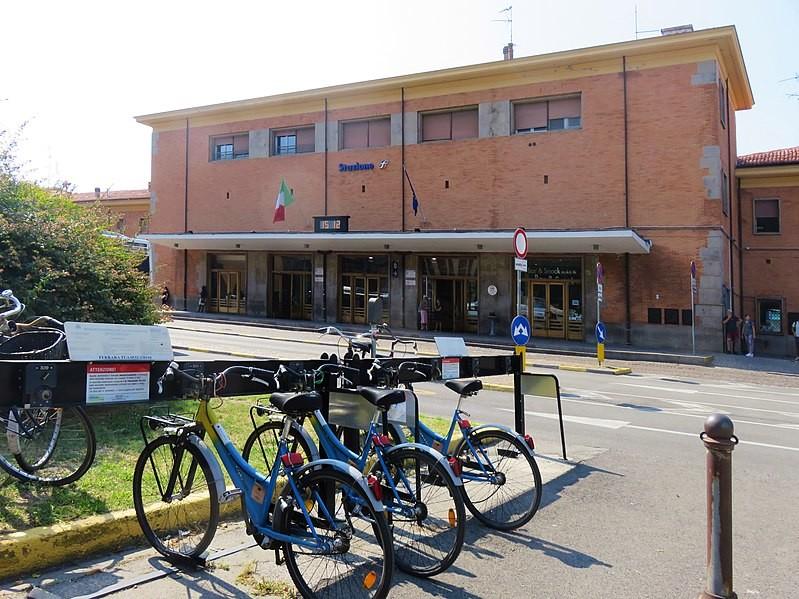 Esperienza a Ferrara (Italia), di Iskender