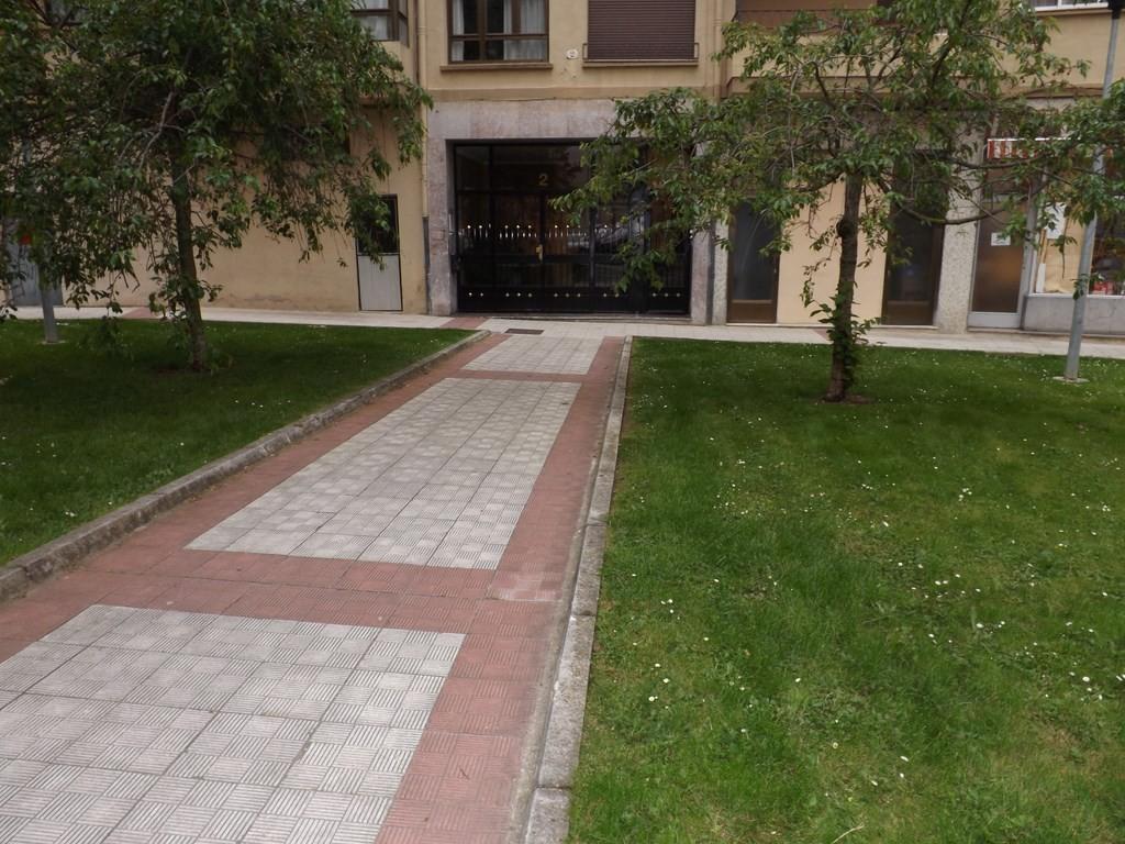 Estudiantes piso 4 dormitorios cerca upna alquiler for Pisos 2 habitaciones pamplona