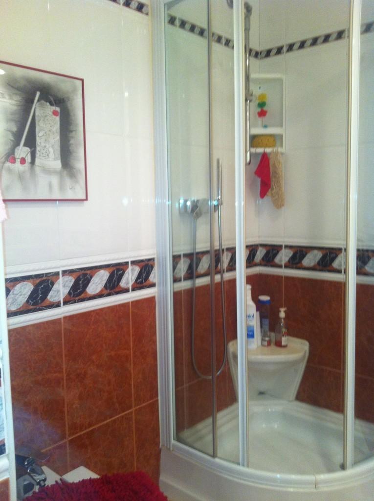 Estupenda habitaci n doble en piso con piscina en legan s alquiler habitaciones madrid - Pisos con piscina en madrid ...