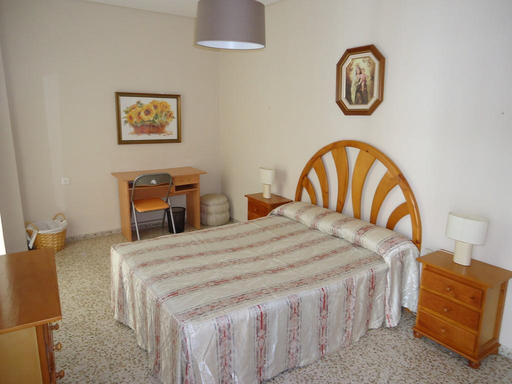 Estupenda habitaci n exterior con cama de matrimonio en un piso luminoso amplio y totalmente - Pisos compartidos cordoba ...