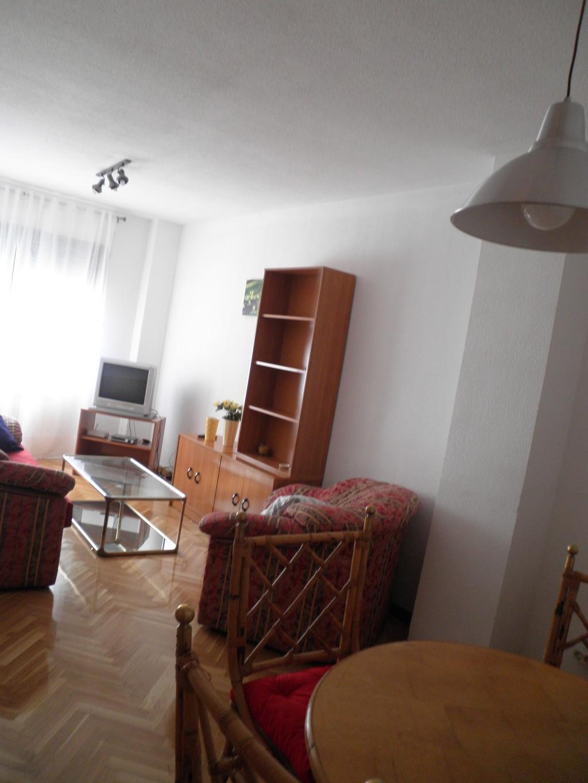 Estupendo piso de alquiler en villaviciosa de odon for Alquiler piso valdemarin