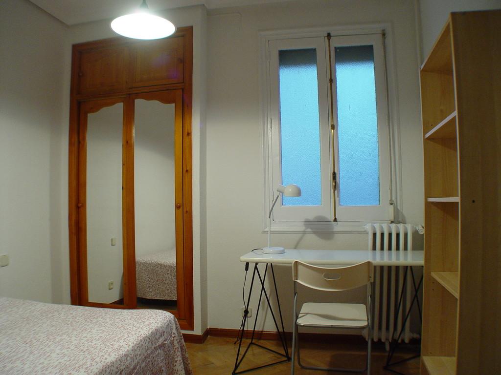 Excelente habitaci n en plaza espa a gran v a el centro for Alquiler habitacion plaza espana madrid