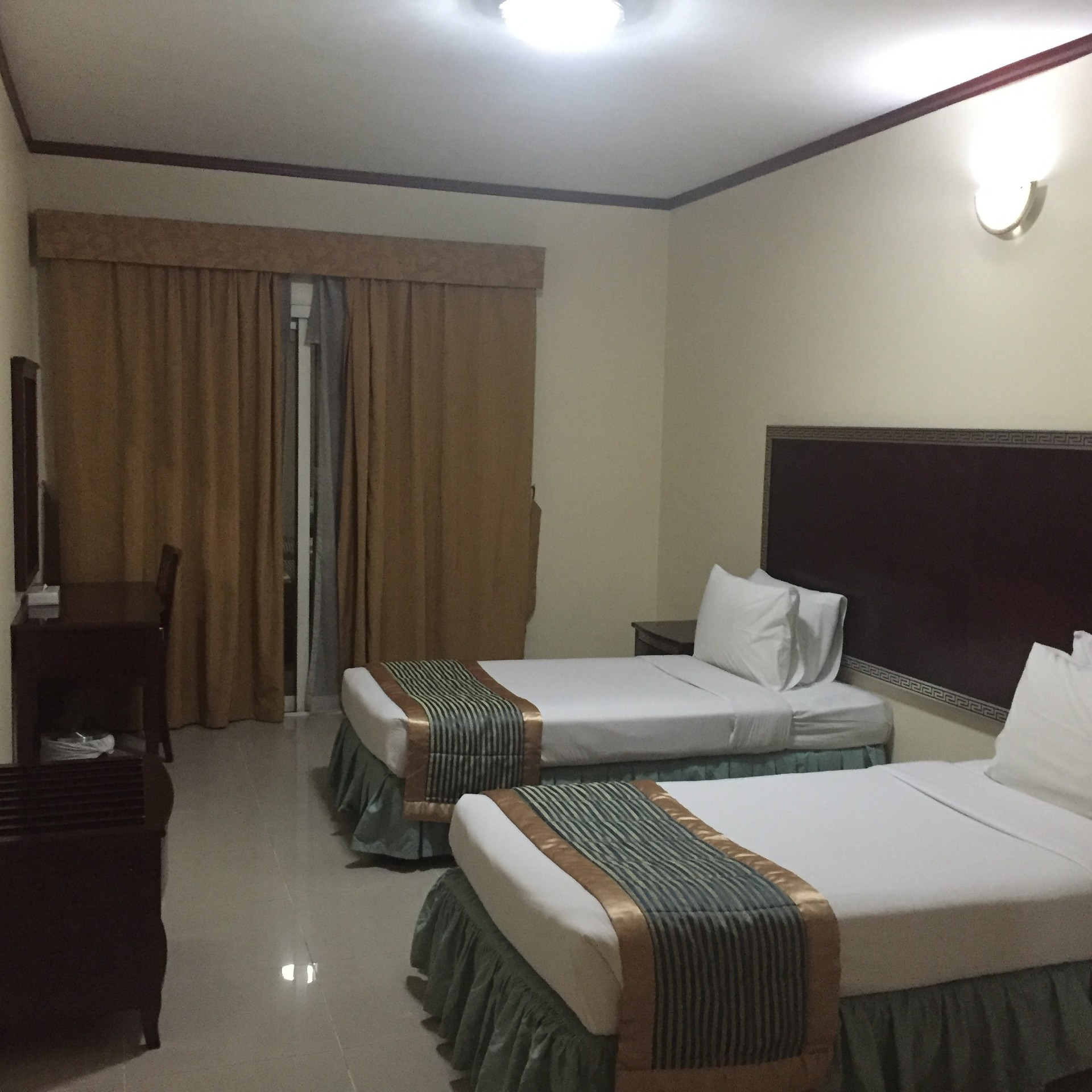 Furnished Rooms For Couple Or Bachelors