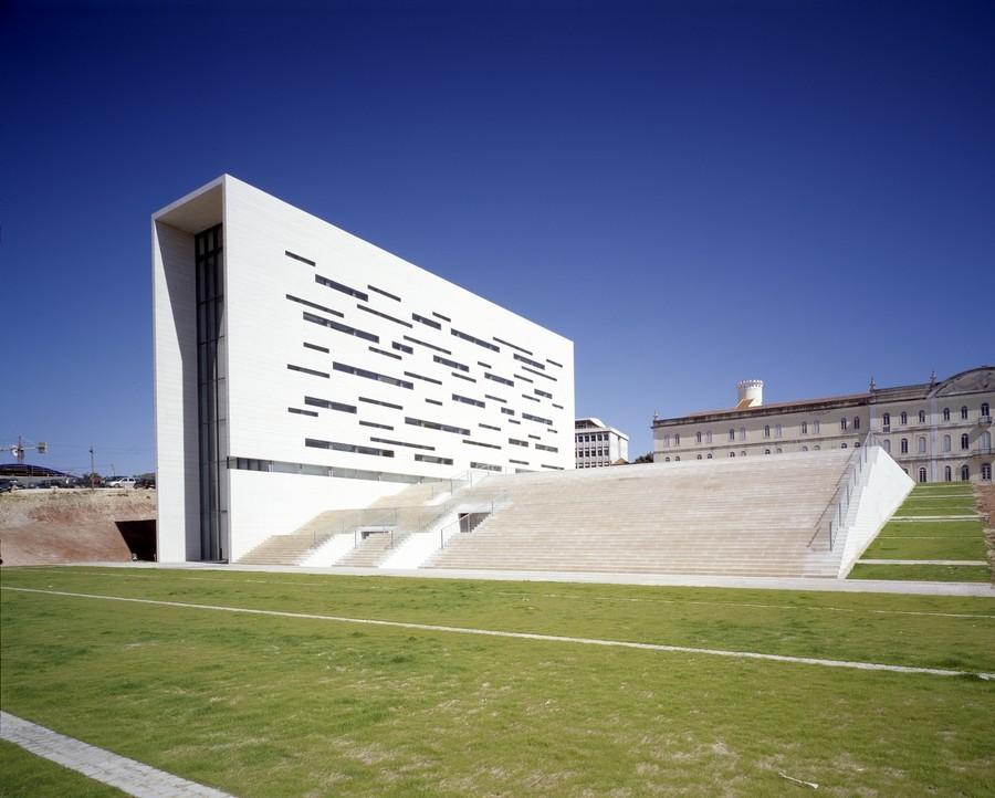 Expérience à la nouvelle université de Lisbonne au Portugal par Maria