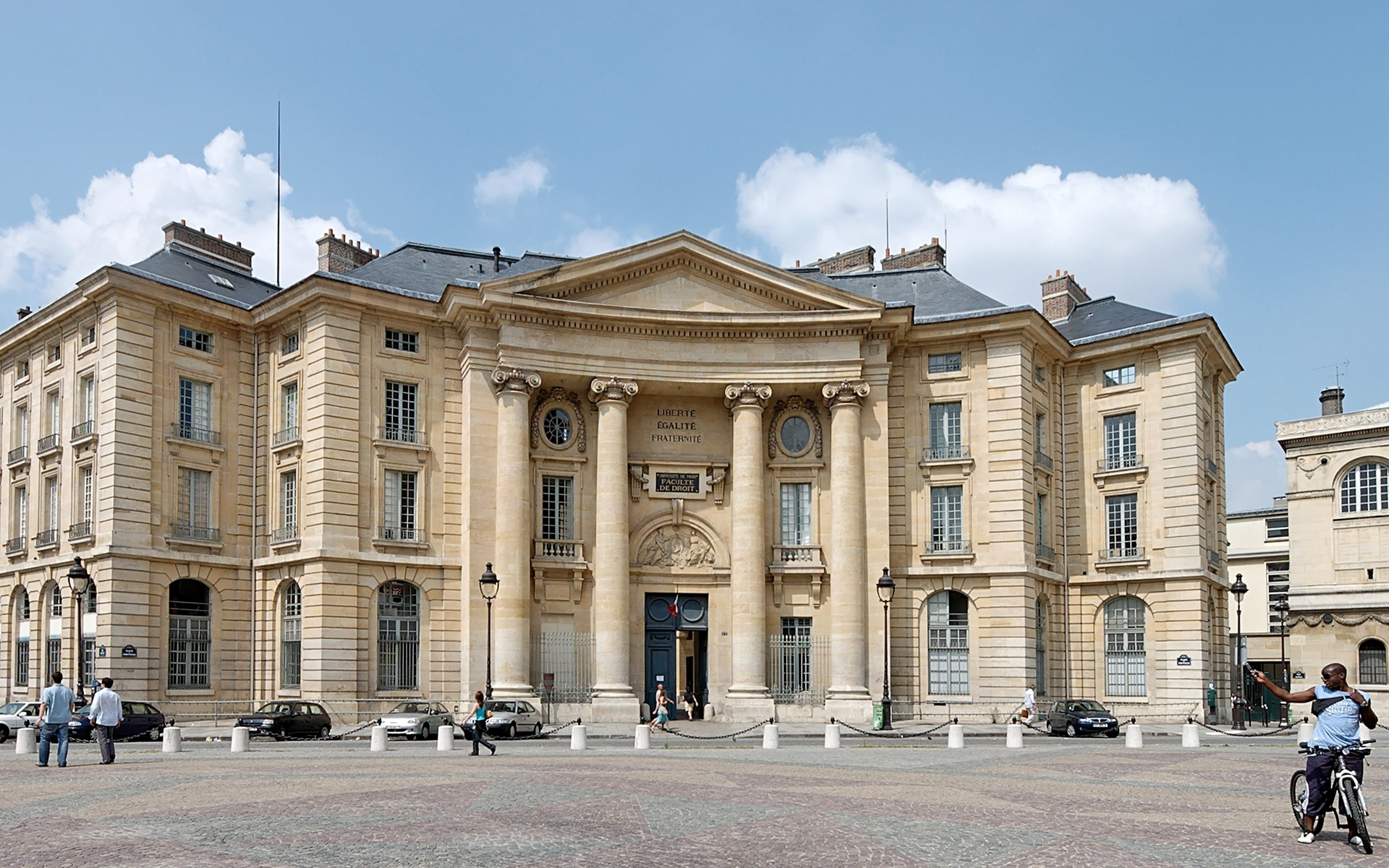 Experience at the University of Sorbonne Nouvelle Paris III, France by Maira