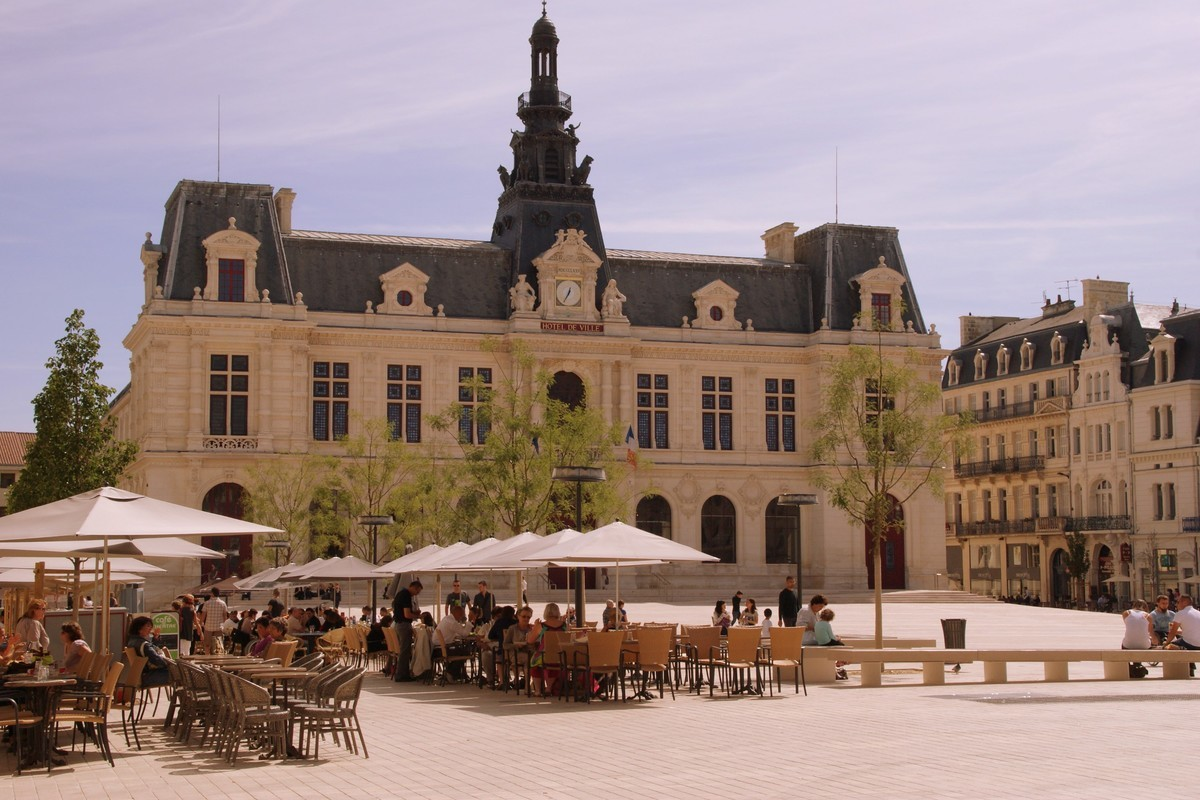 french por annonce poitiers