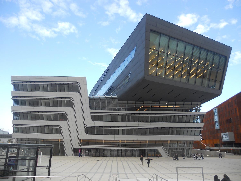 Experiência na Universidade de Economia e Administração de Empresas de Viena, Áustria por Alexandra