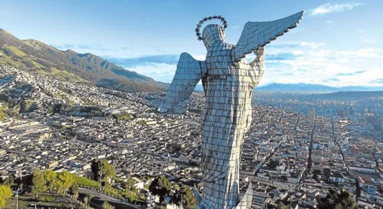 Ciudades del mundo (A a la Z) - Página 4 Experiencia-quito-ecuador-margarita-cdbb0423dd09480ddd4890aca3d81116