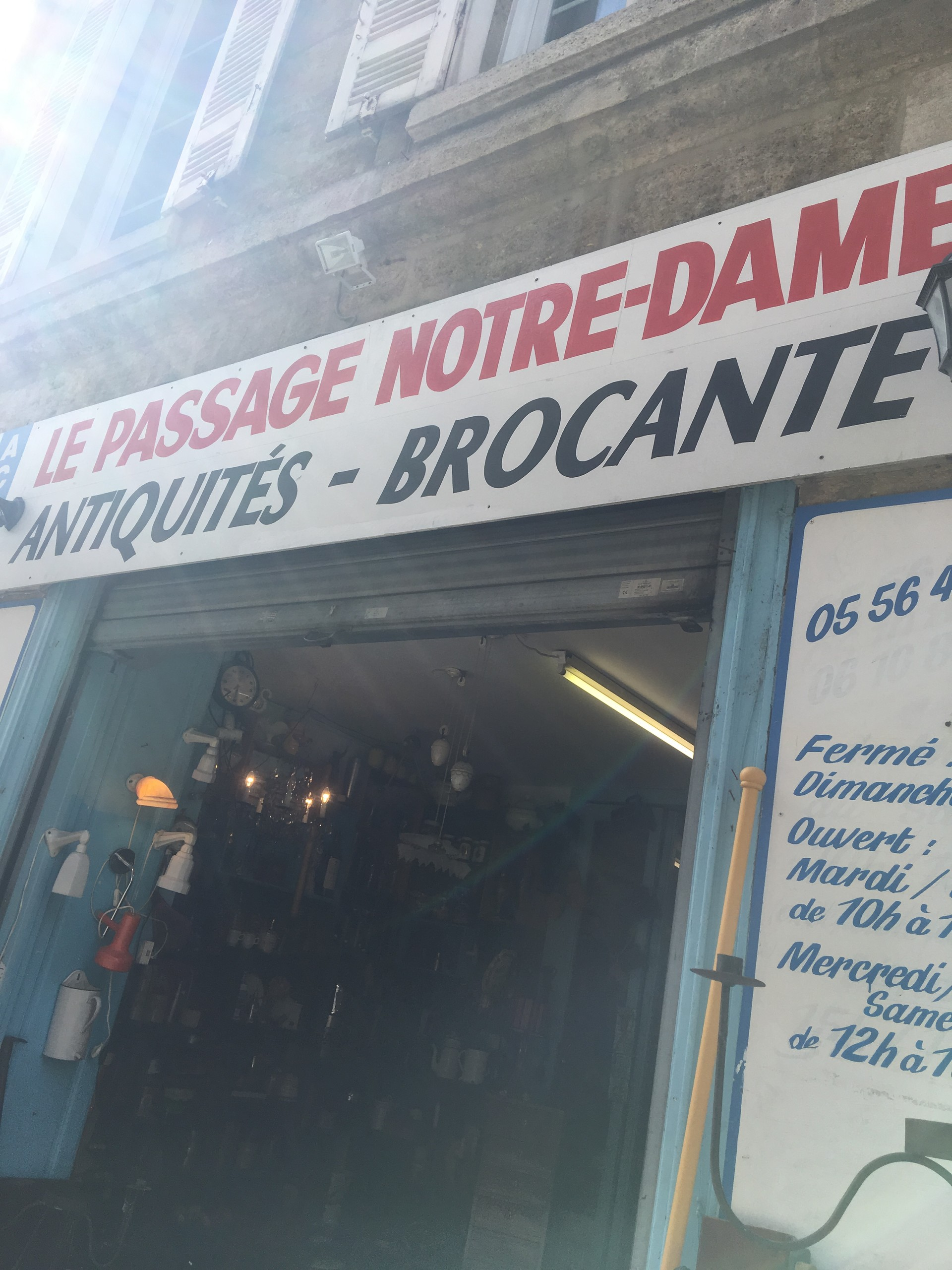 Explore Bordeaux: Rue Notre-Dame