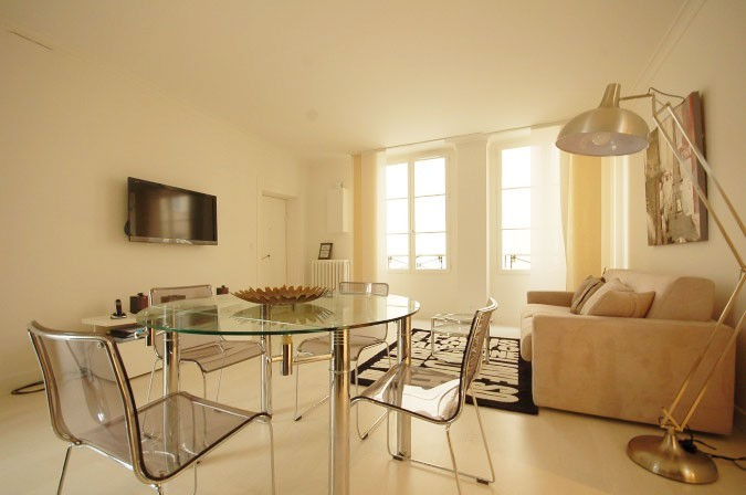 exquisite-2-bedrooms-walsh-bay-1a26e45f8bce139fca792c22c488c021