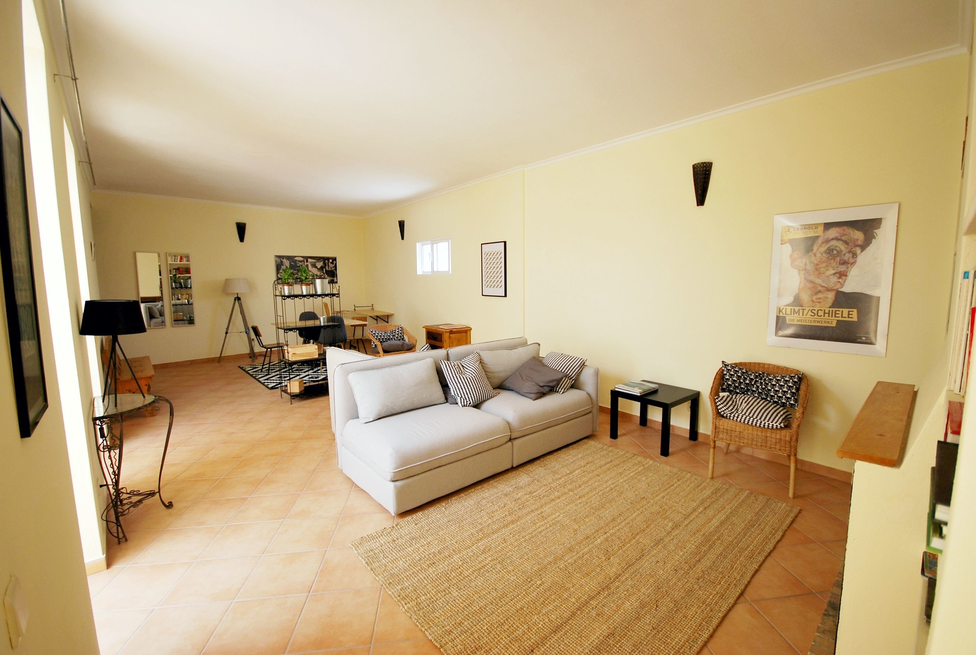 Extra Large Rooms In A Traditional And Amazing House Room For Rent Faro