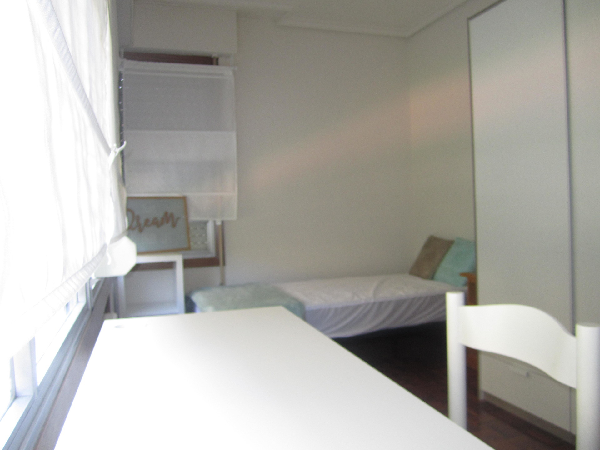 Pamplona extraordinarias habitaciones individuales en for Pisos 2 habitaciones pamplona