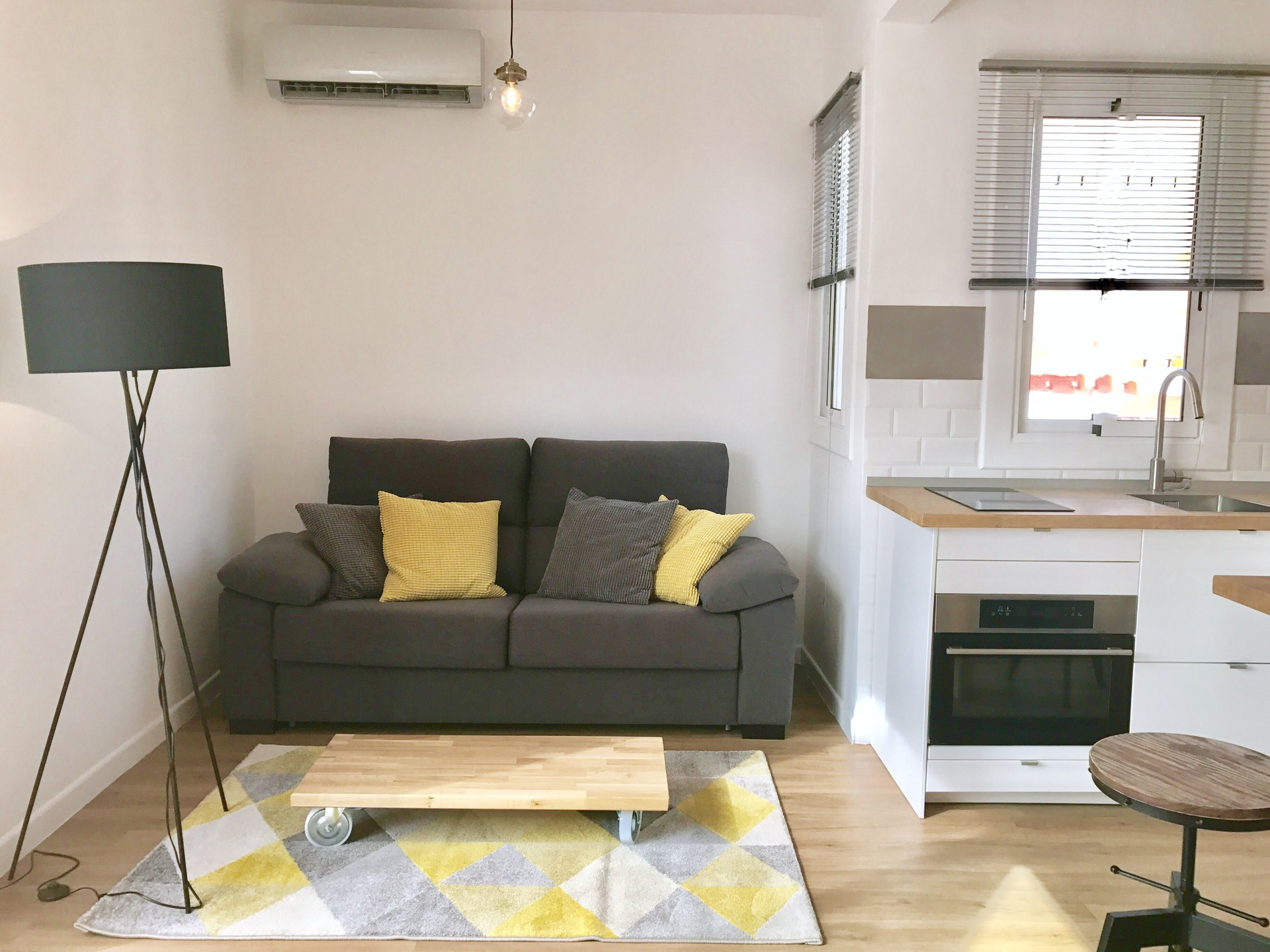 Fantastic Atico En Poble Sec Rent Studios Barcelona # Muebles Poble Sec