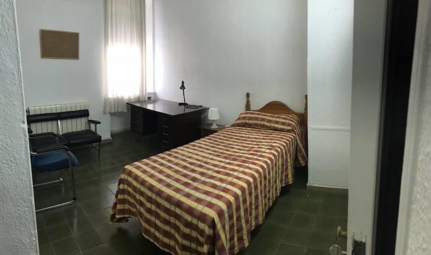 Fantastic single room in Cordoba city centre