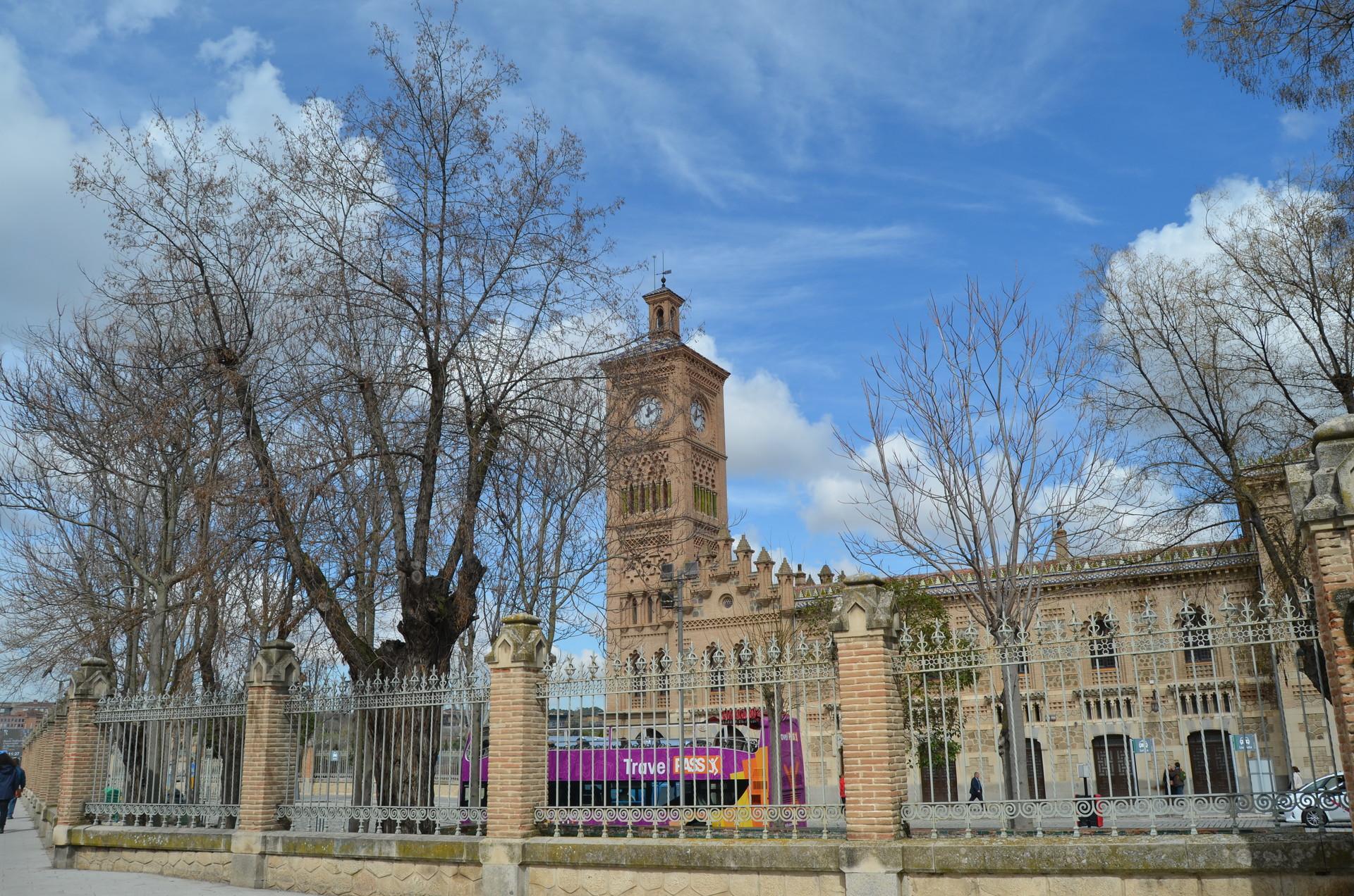 fascinating-historical-city-5ec46ac3c7d1