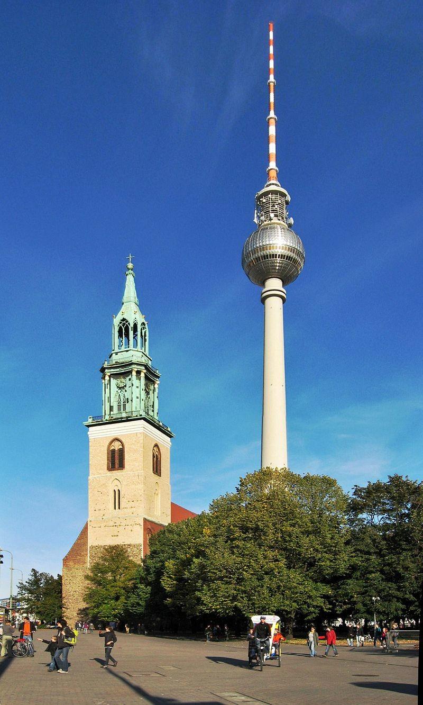 fernsehturm-berlin-55444cf2a91c5a1be830c