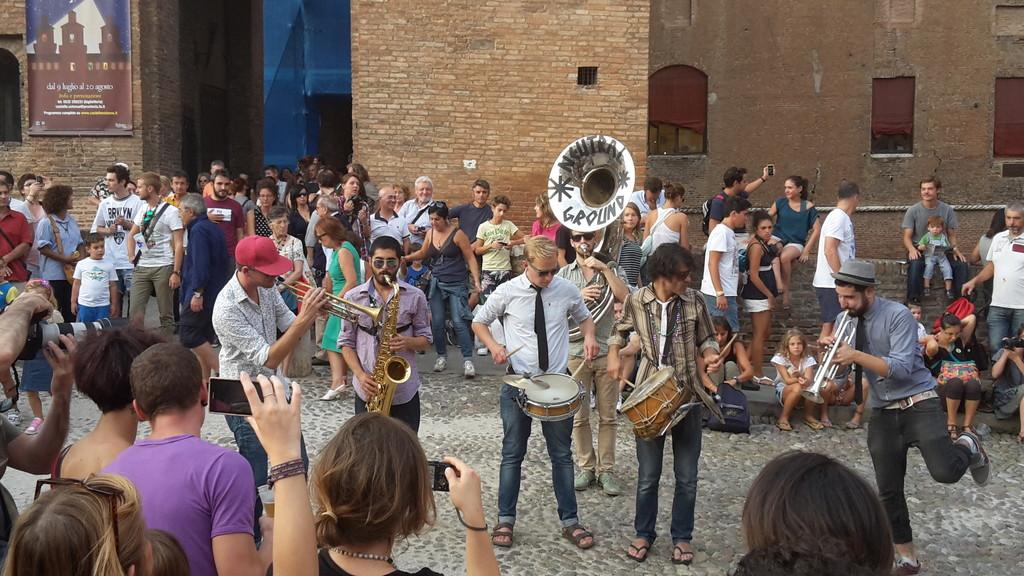 Fiesta de artistas callejeros!