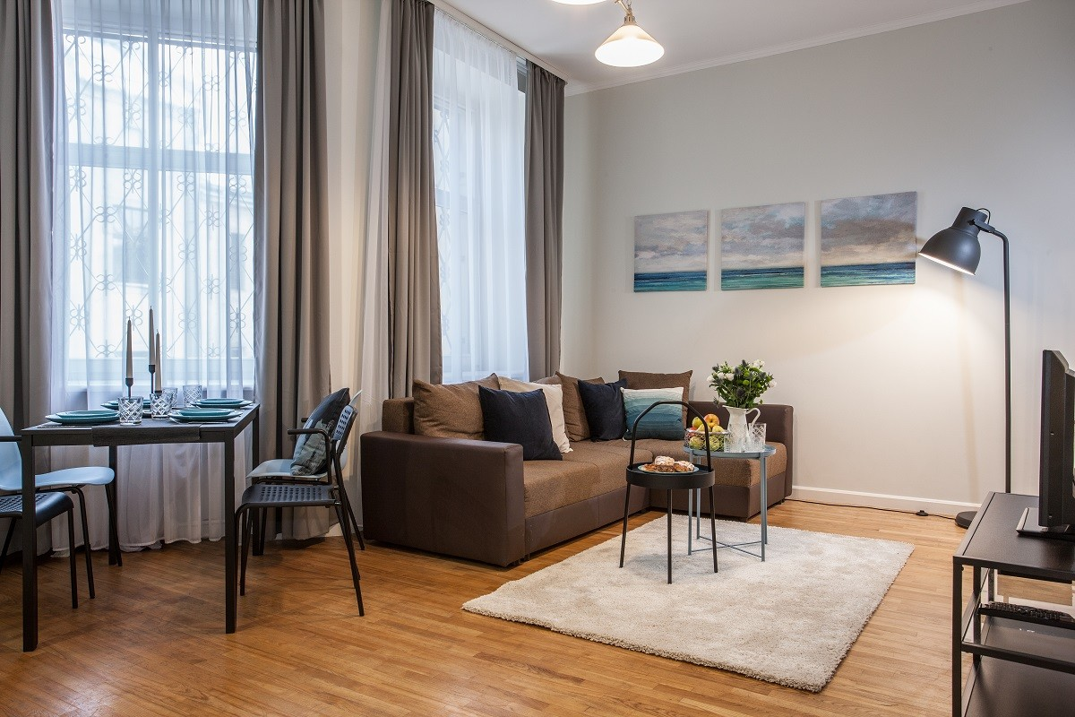 Fully furnished and equipped 2 bedroom apartment after renovatio