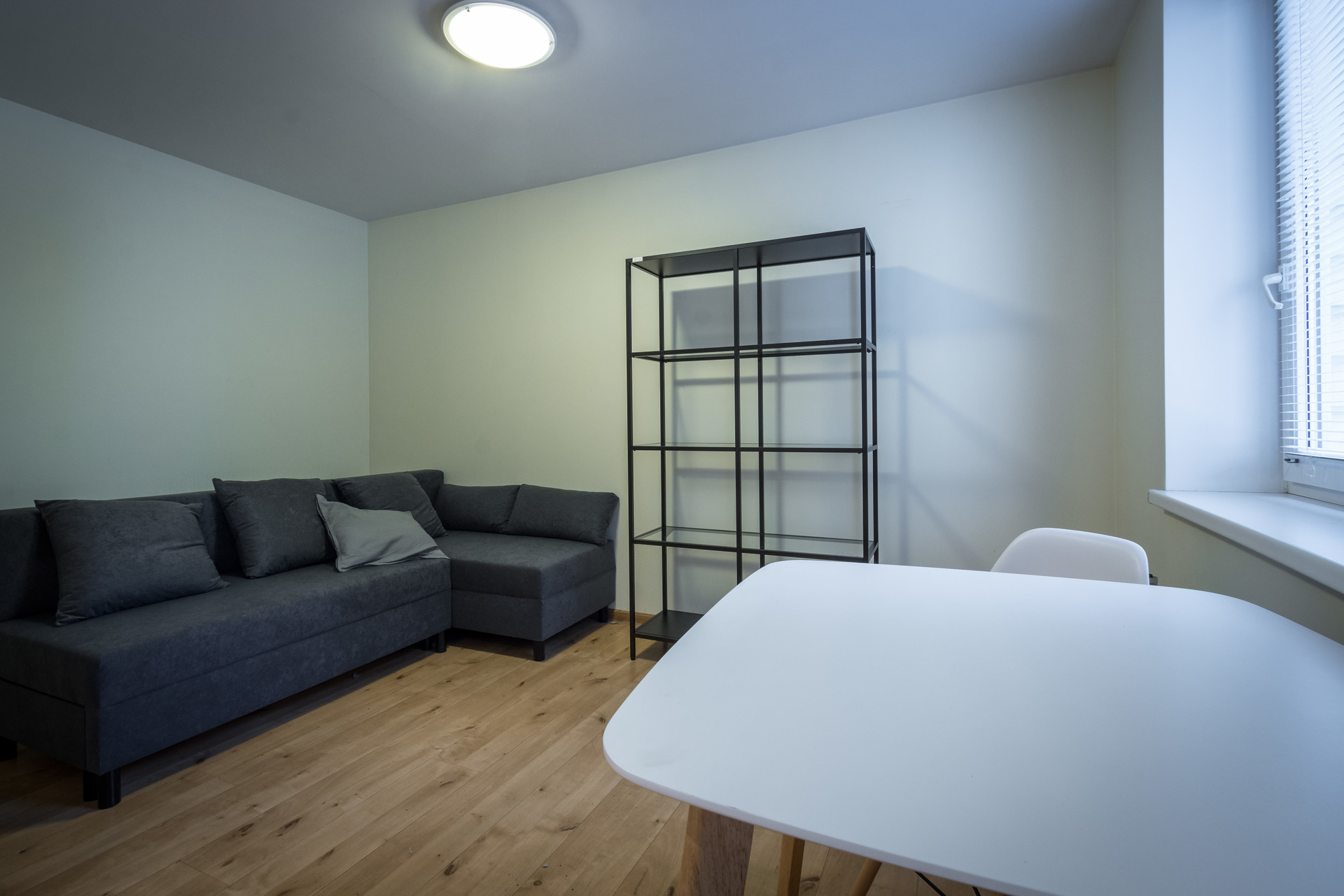 Fully furnished and equipped cozy studio flat for rent.