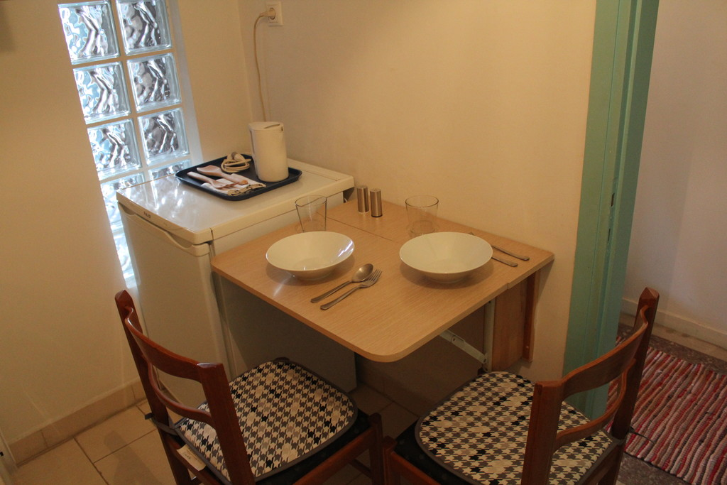 Fully furnished independent apartment close to Thessaloniki Univ