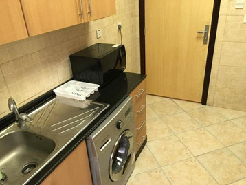 furnished-bed-spaces-girls-available-mal