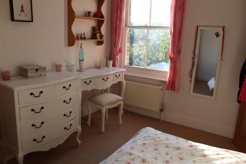 furnished-double-room-6b4acc47165d60a376ea4cb85ec6adba