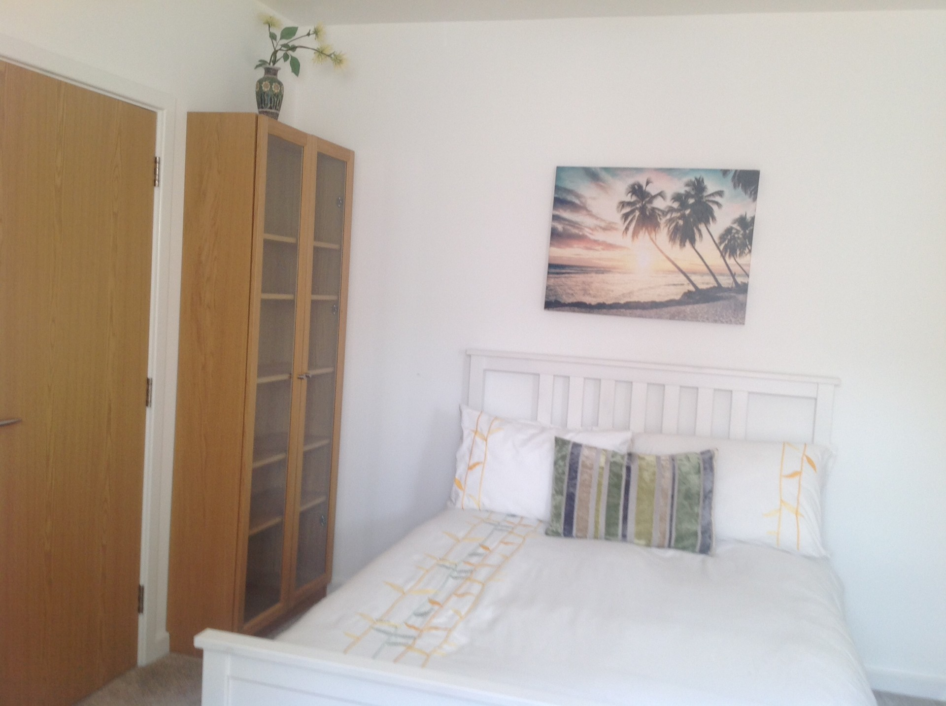 Furnished double room in a Family home