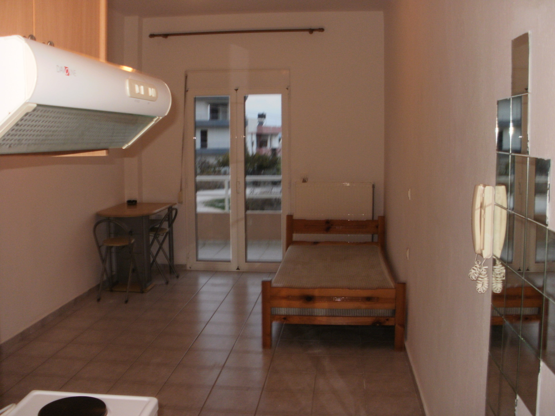 Furnished one room apartment near the university of crete for Furnished room