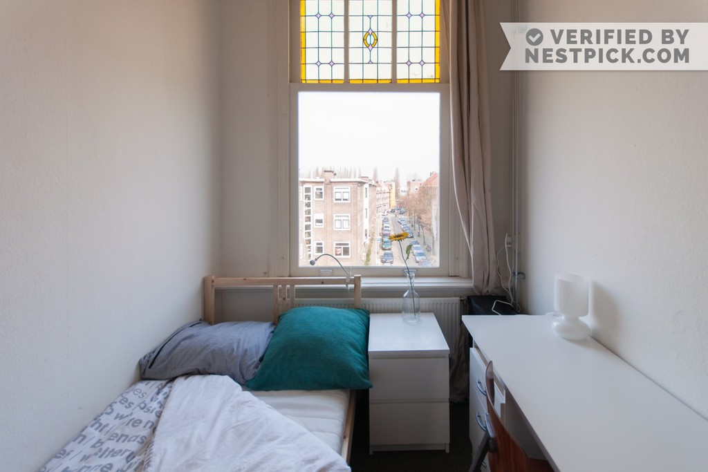Furnished rooms in rotterdam centre to rent room for for Furnished room