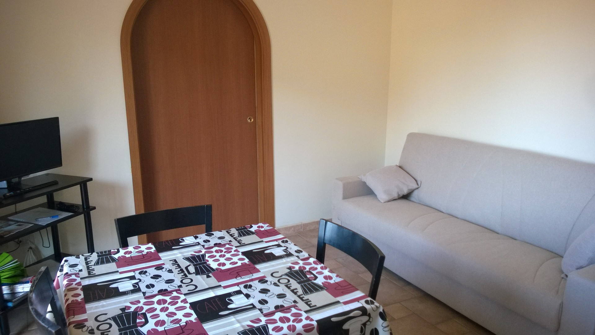 Furnished single room for rent in a comfortable 3-room terraced