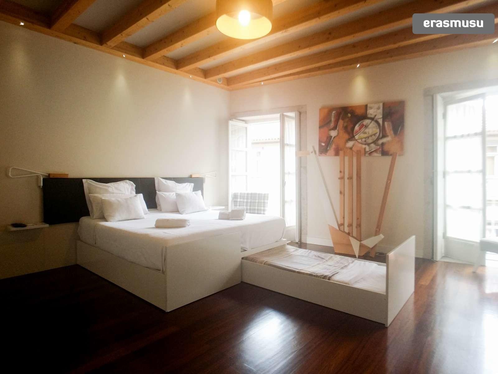 furnished-studio-apartment-rent-sao-nicolau-2a1306959a36343de324