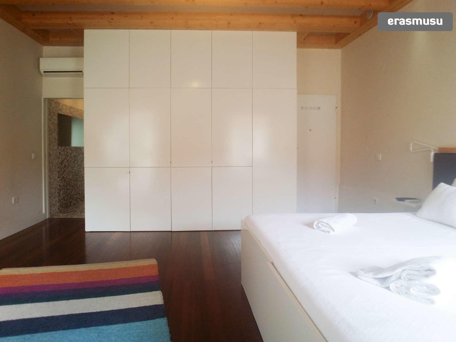 furnished-studio-apartment-rent-sao-nicolau-73334808697fc7b29f9b