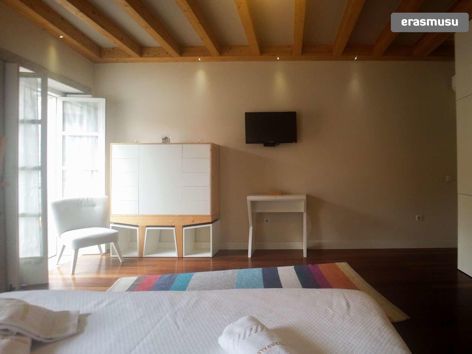 furnished-studio-apartment-rent-sao-nicolau-e0777784de898d82862e