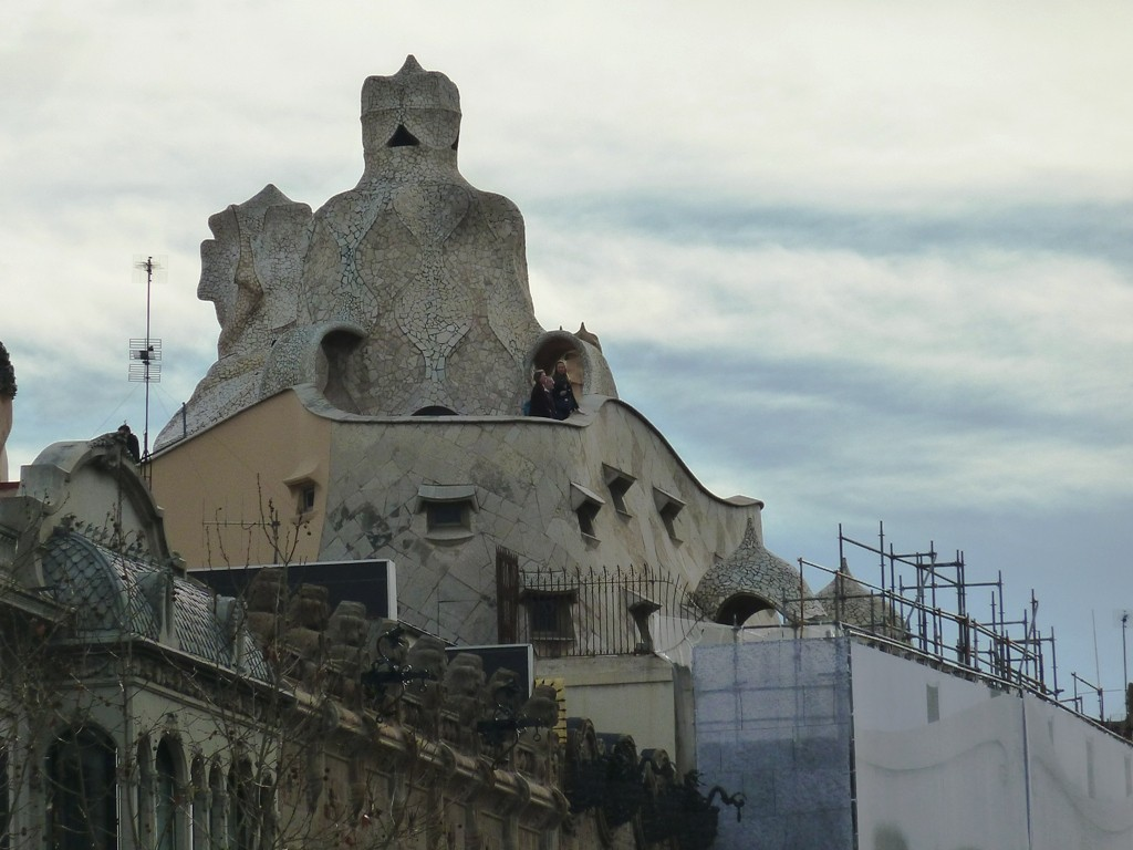 gaudi-extraordinary-building-maybe-a4065