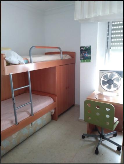 Genial habitación privada en ático de Huelva, con