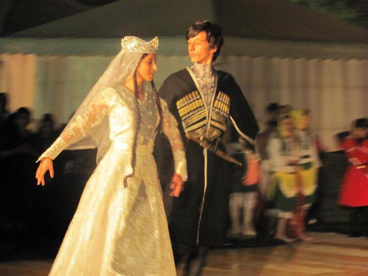 georgian-folk-dance-c469936660db609bed58