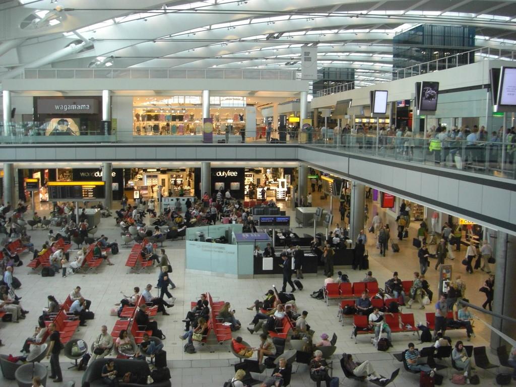 Gli aeroporti di londra come raggiungere il centro for Quanto dura il permesso di soggiorno