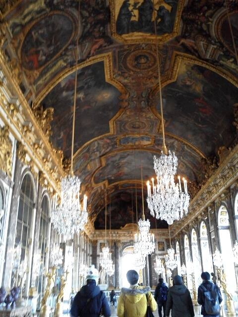 Going back to the luxury of Louis XIV's age