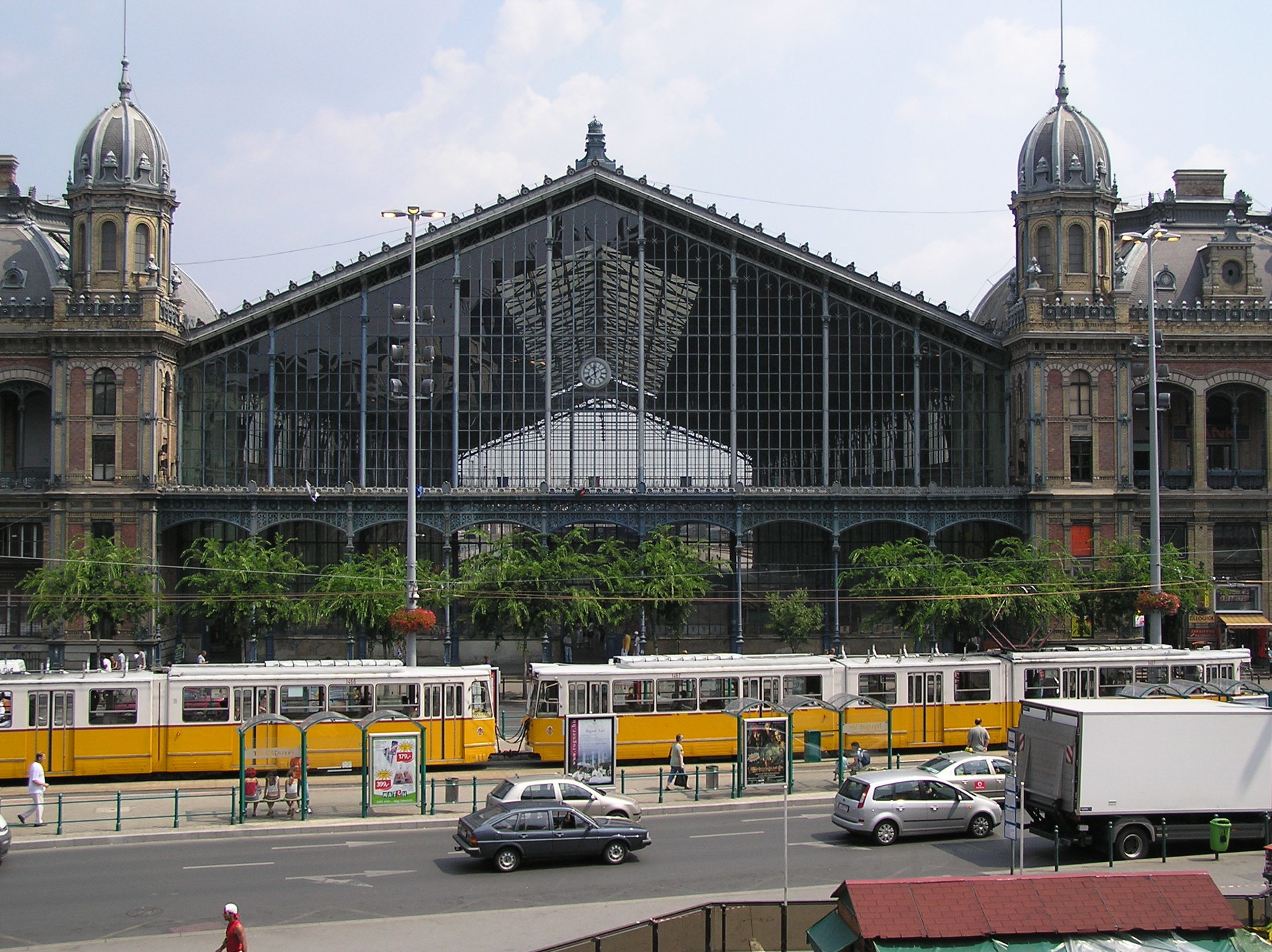 going-budapest-debrecen-2ab200c824b41384