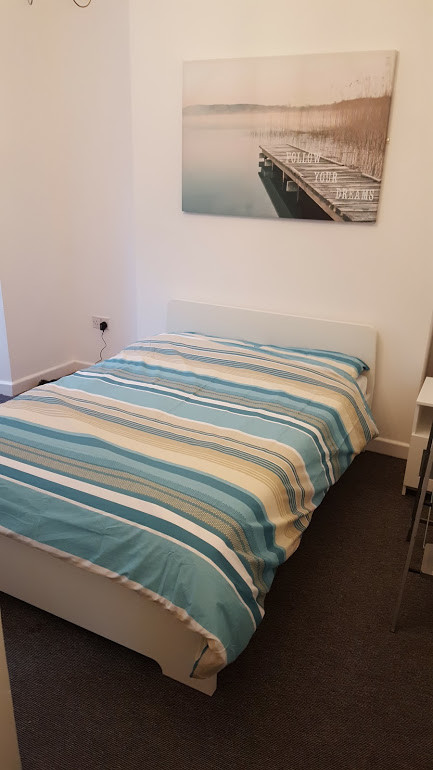 good size double room, 20 mins walk from university