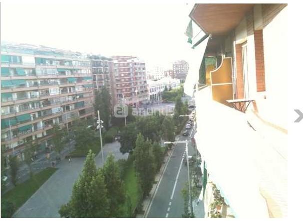 Gran piso con terraza a rambla badal ideal estudiantes for Pisos alquiler sants badal