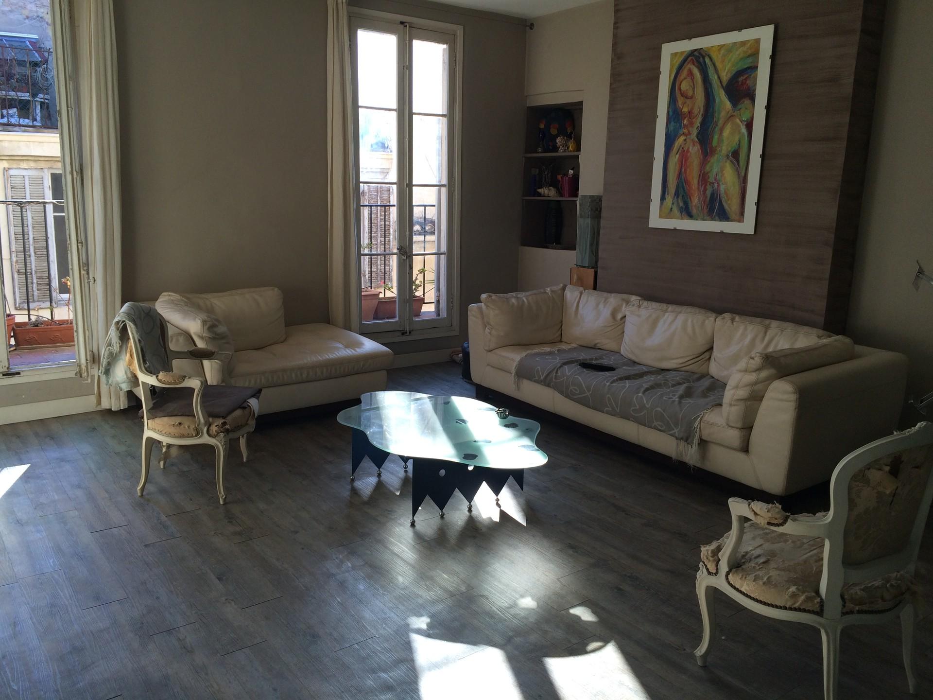 grand-appartement-lumineux-centre-de-marseille-dc3edc86099e9f0b2a711e1c5539c6c2