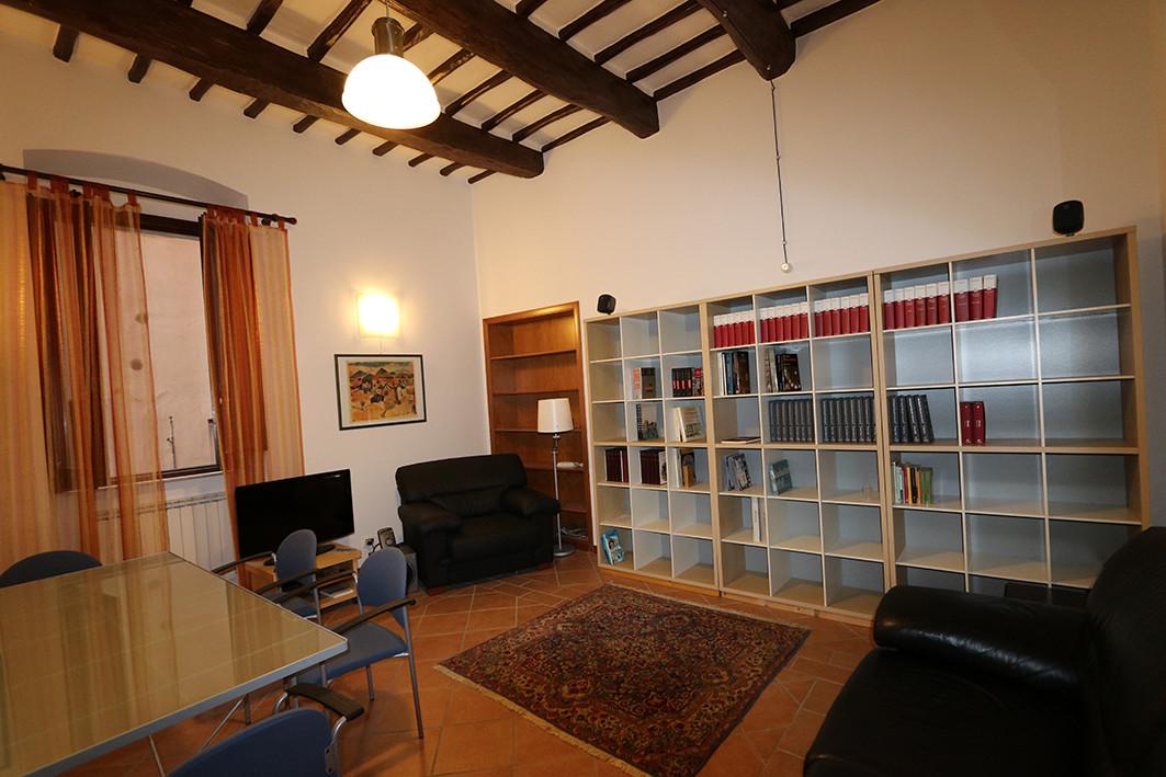Grande Camera In Appartamento Ristrutturato Al Centro Di Perugia
