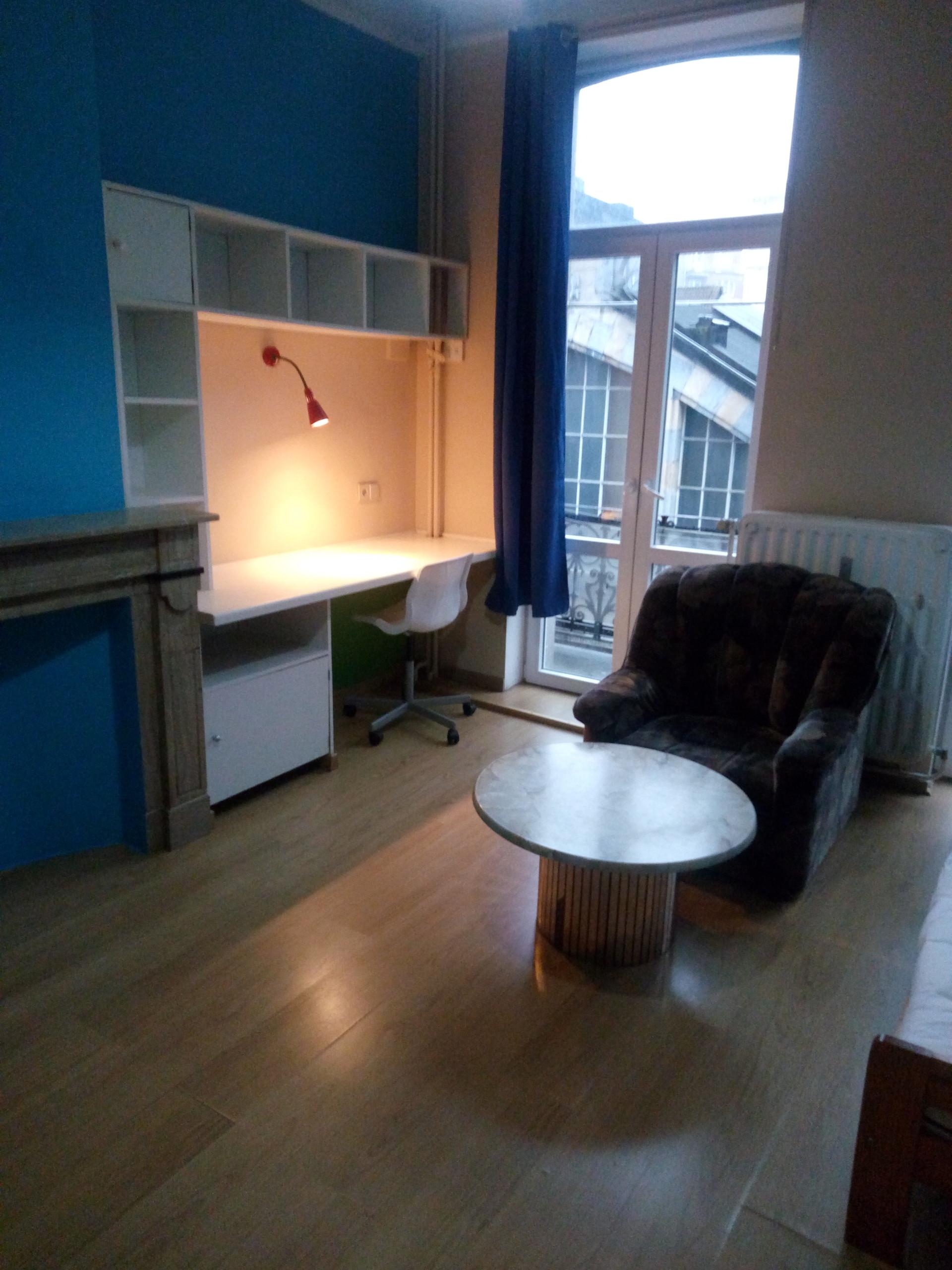 Grande chambre avec douche privée | Résidences universitaires Bruxelles