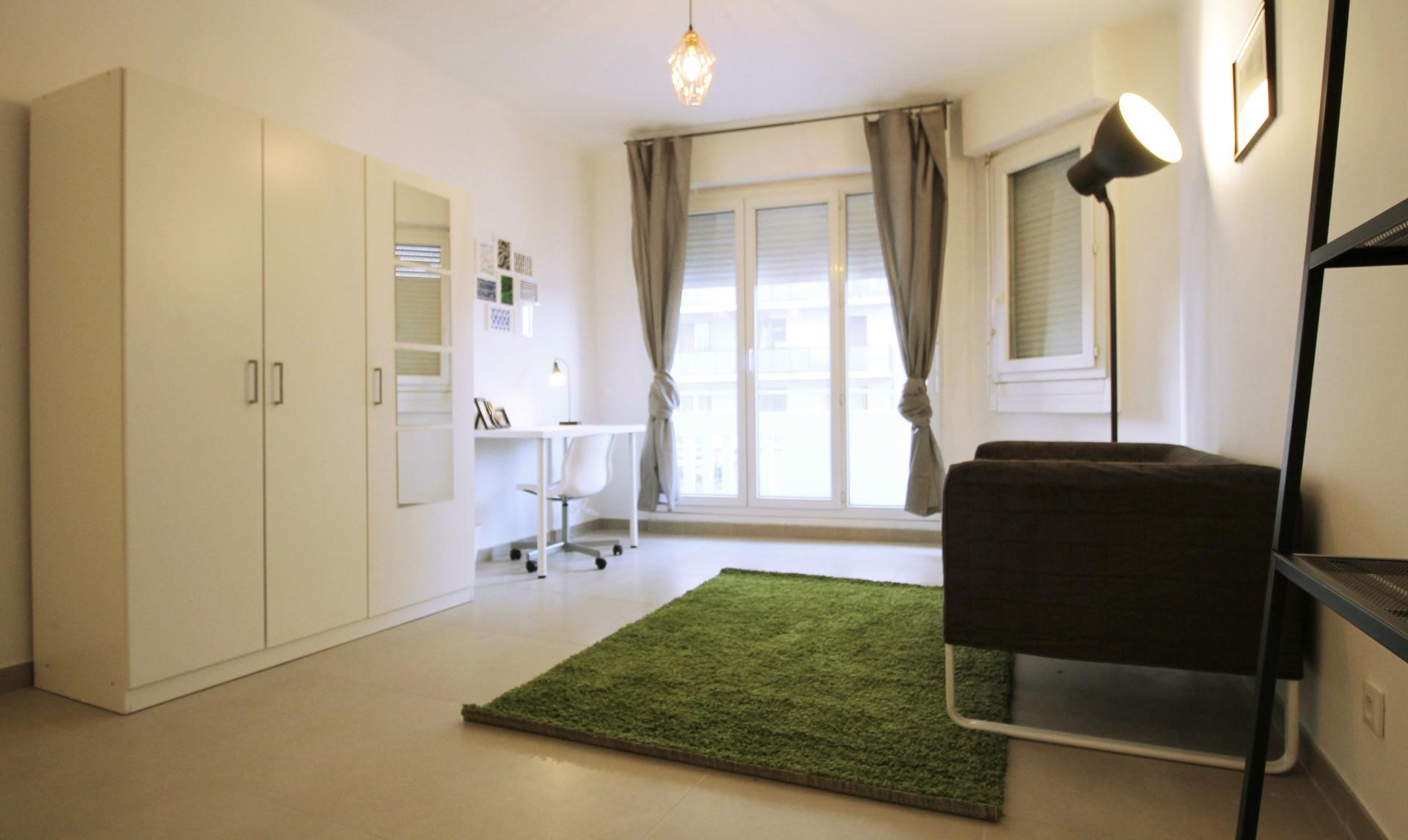 Grande chambre meubl e dans appartement refait neuf location chambres marseille - Chambre a louer marseille ...