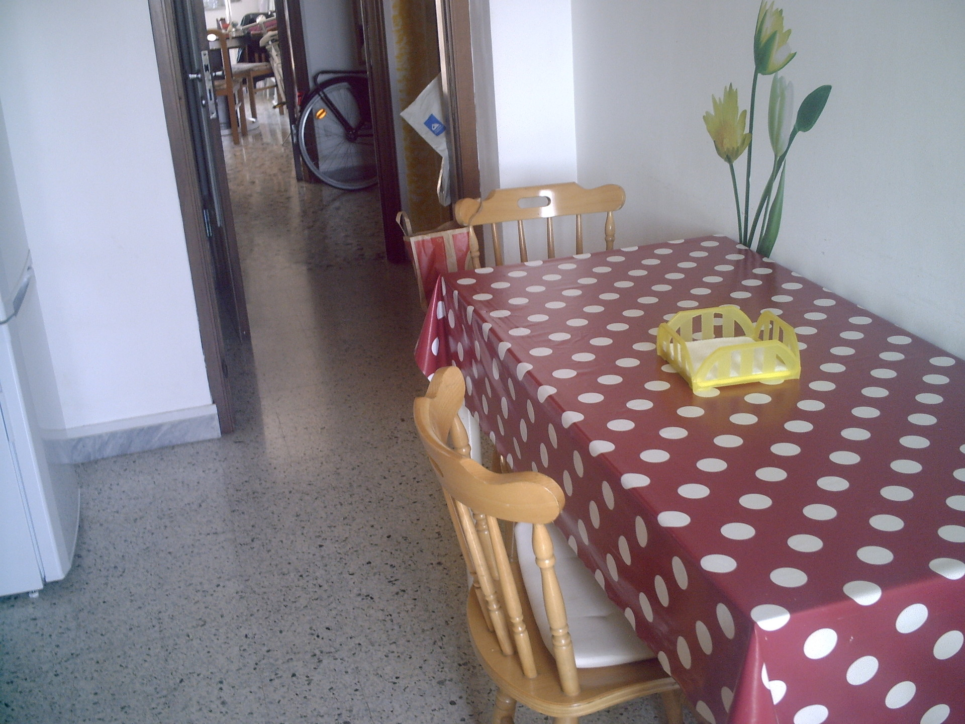 Camere Pescara Centro : Grande stanza singola con letto matrimoniale centro di pescara