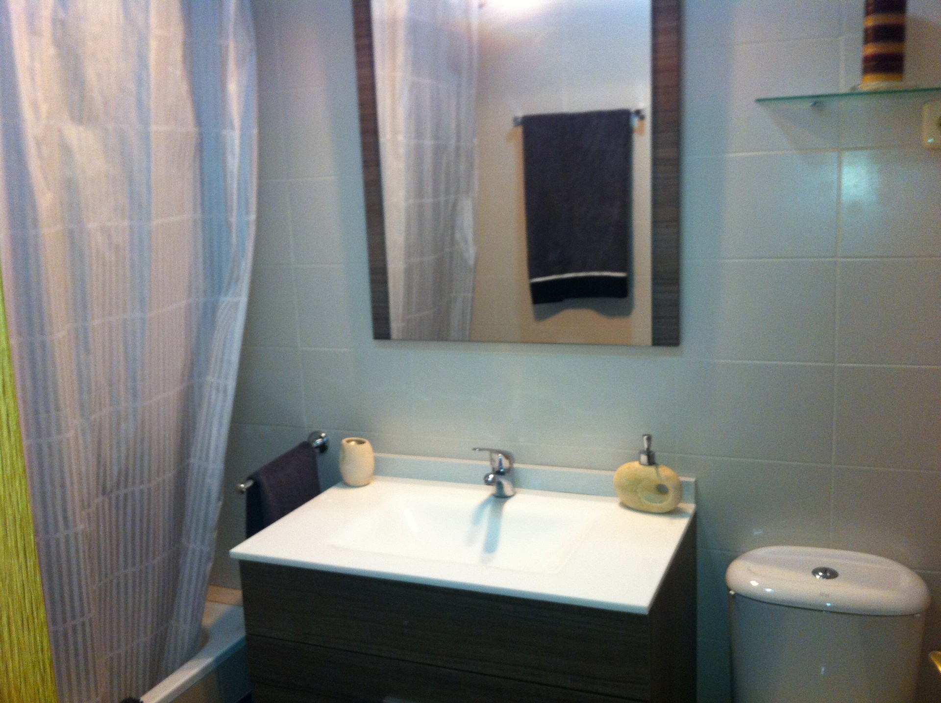 Habitaci n de 12m en chalet alquiler habitaciones madrid for Piso 60 metros cuadrados 3 habitaciones